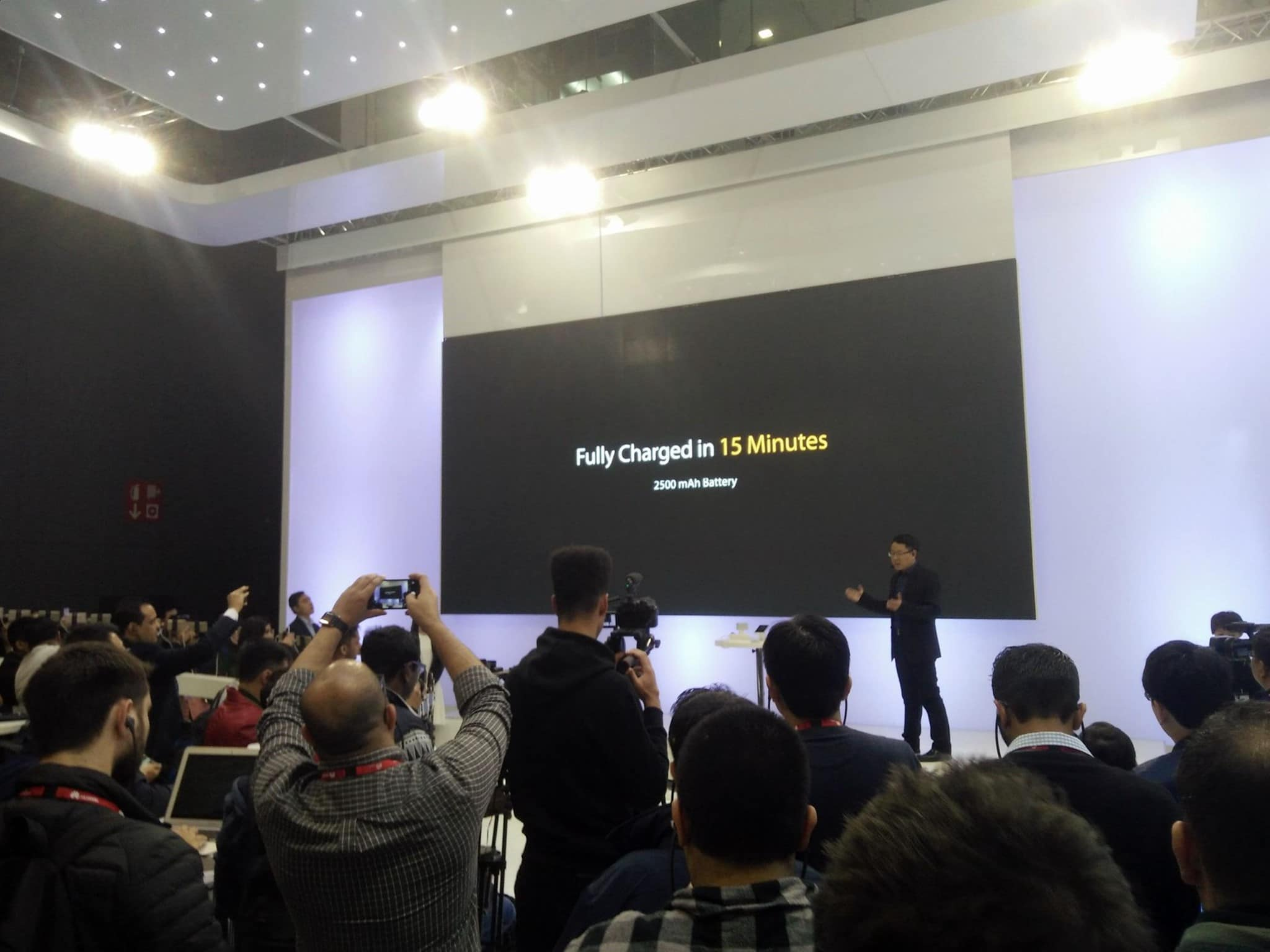 A Fully Charged Phone In 15 Mins Oppo S Mwc 2016 Announcement Is Win For All
