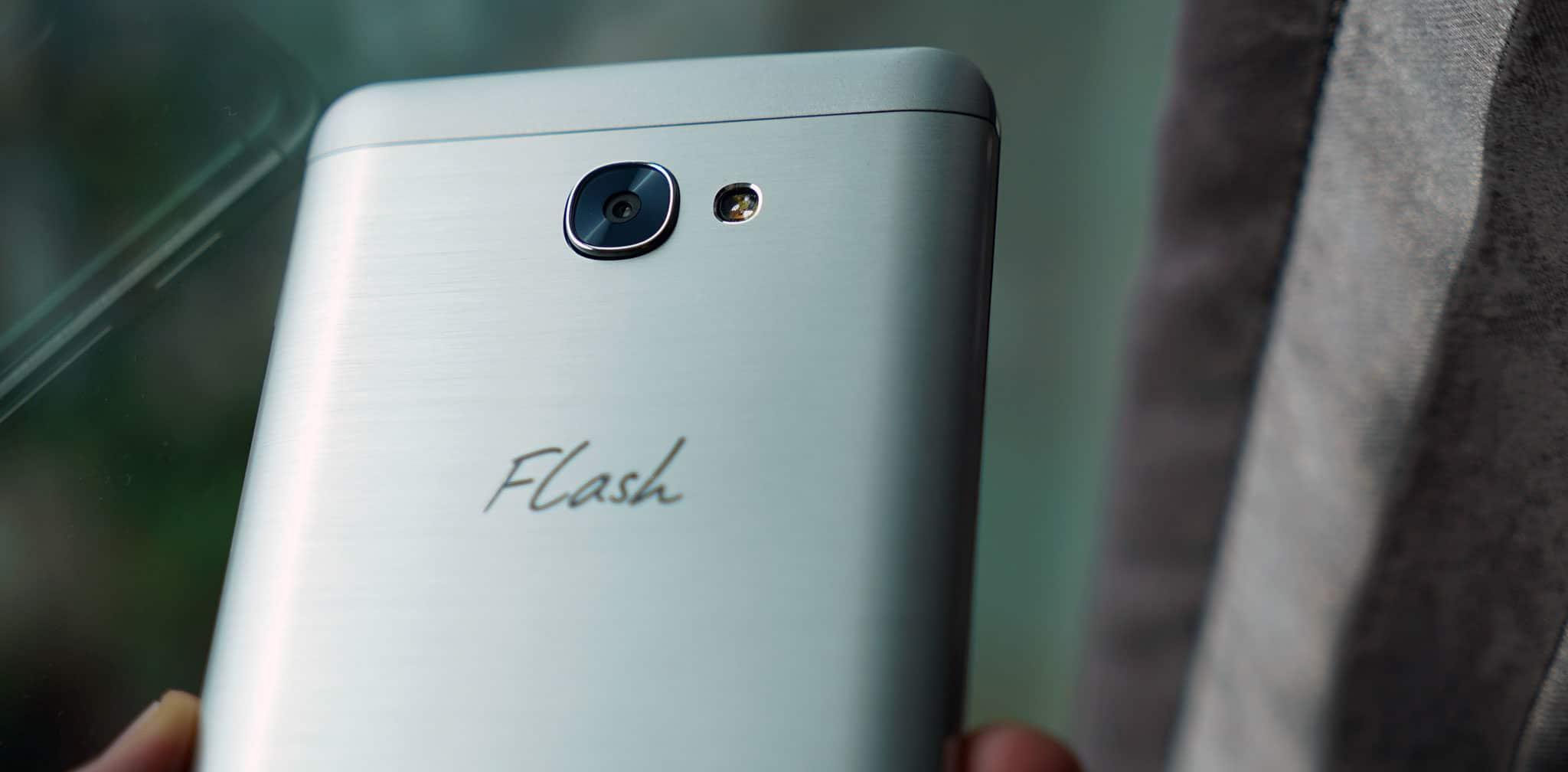 flash-plus-2-camera