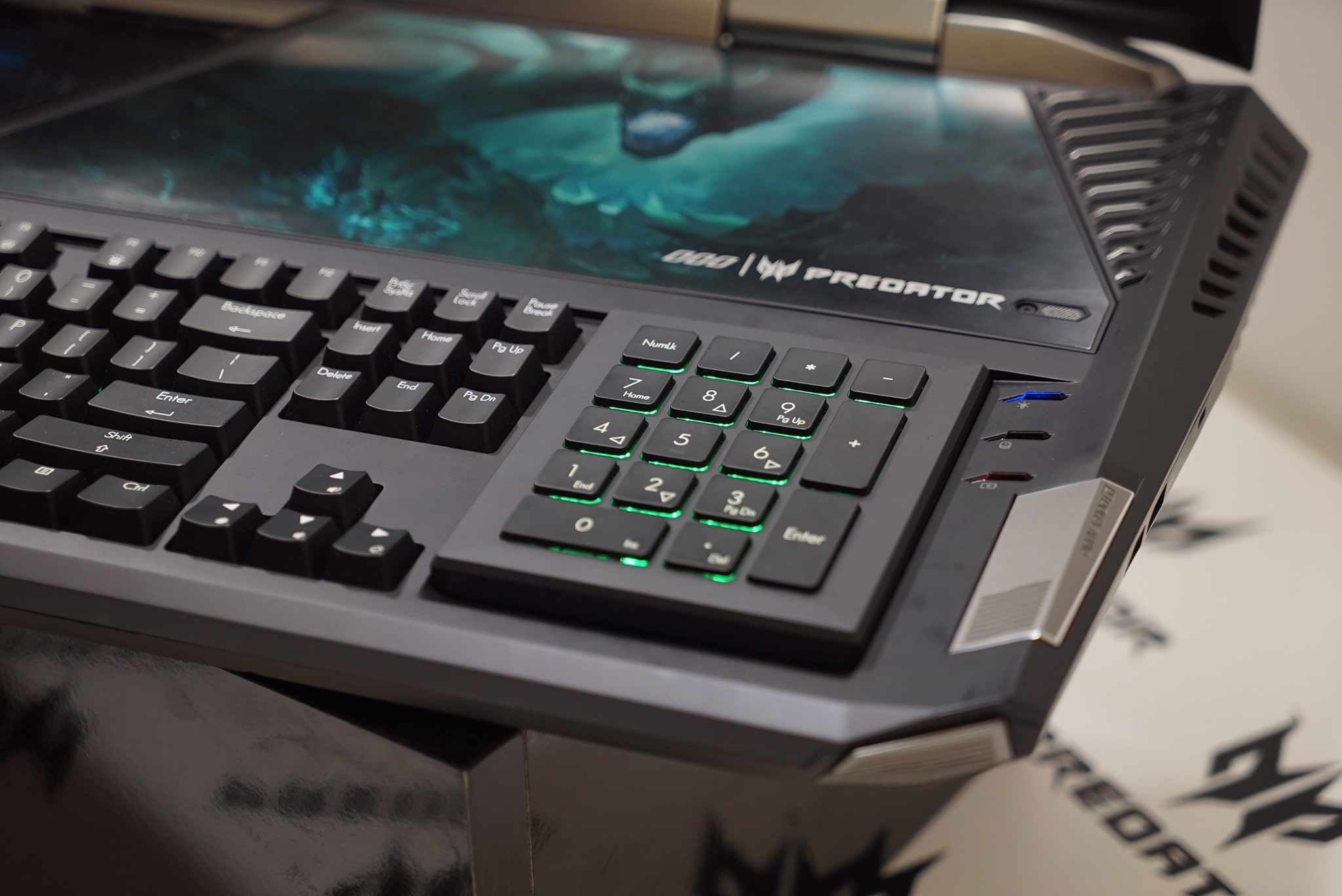 Acer-Predator-21X-5b