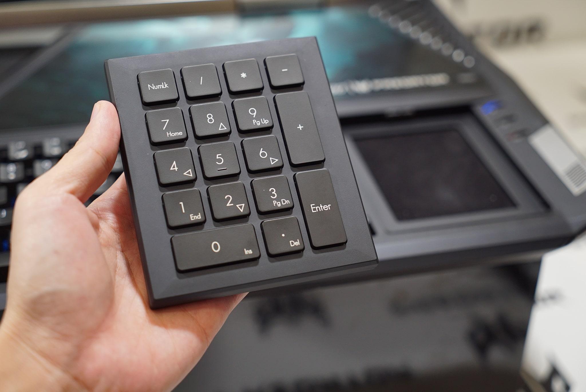 Acer-Predator-21X-6b