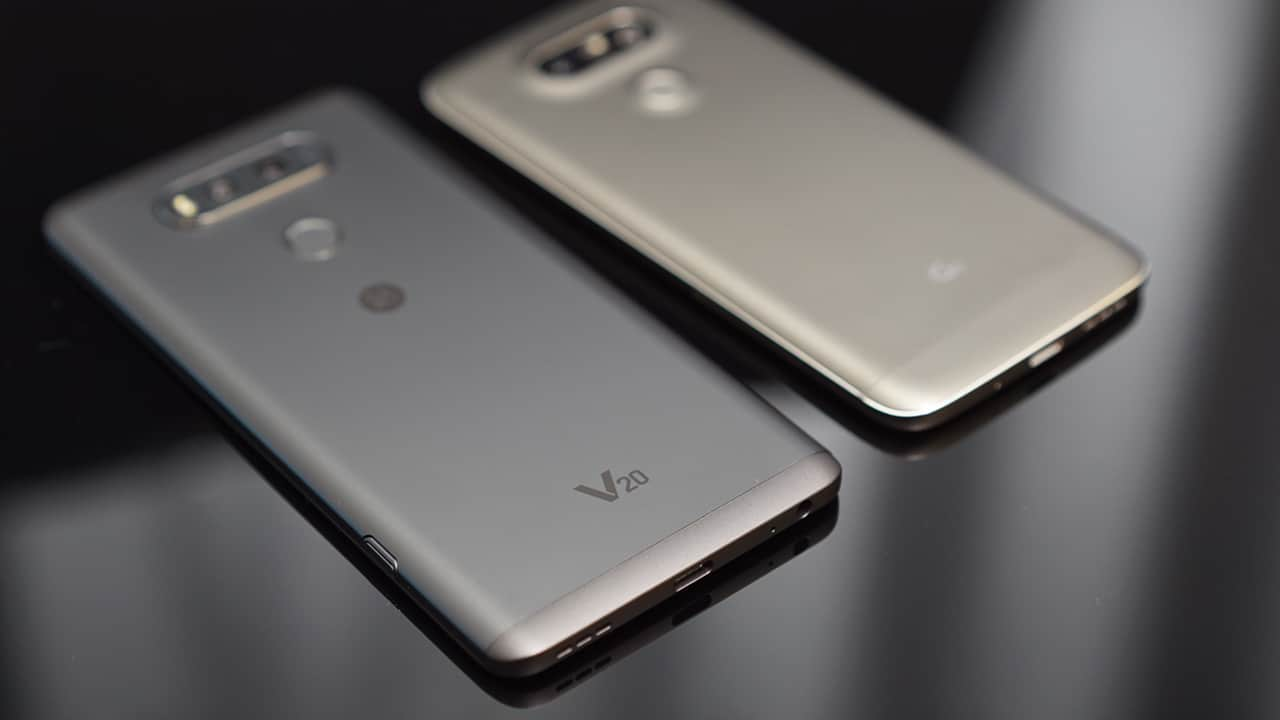 LG V20 and LG G5 side by side