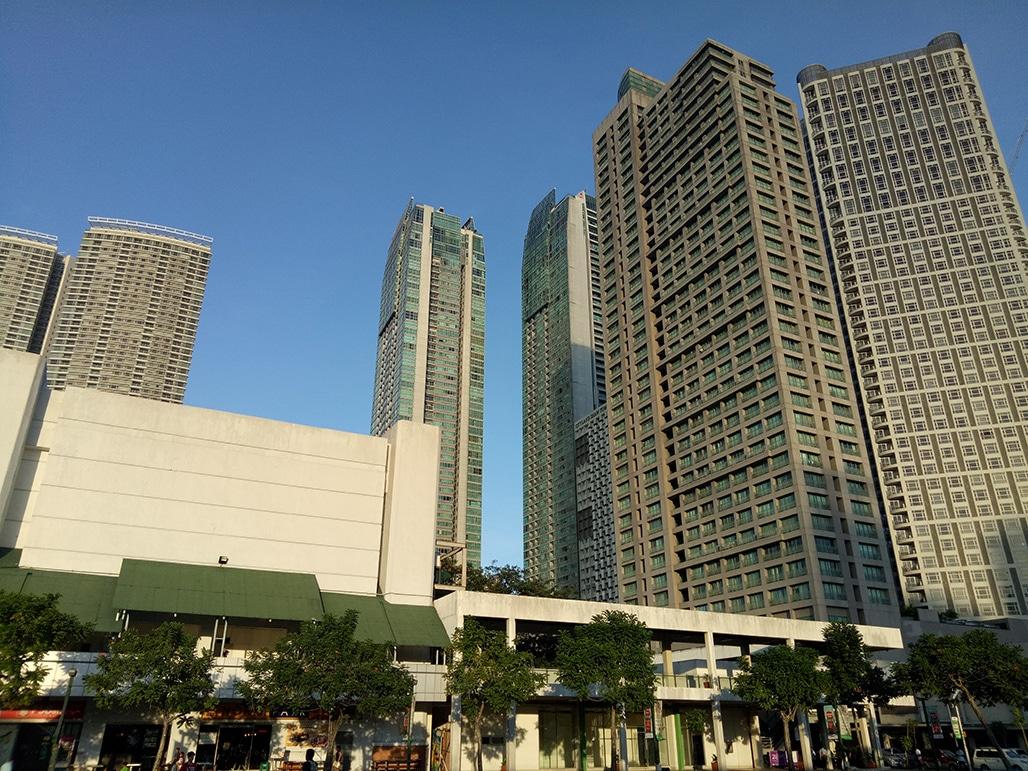 f1s-blue-sky