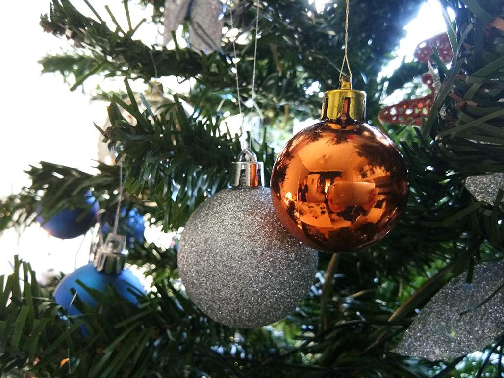 v5-christmas-ball