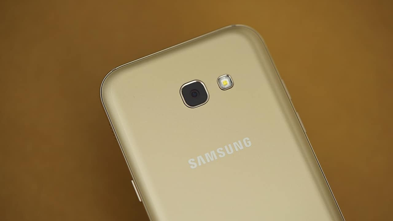 Samsung Galaxy A3 (2017) starts getting Android 8 0 Oreo