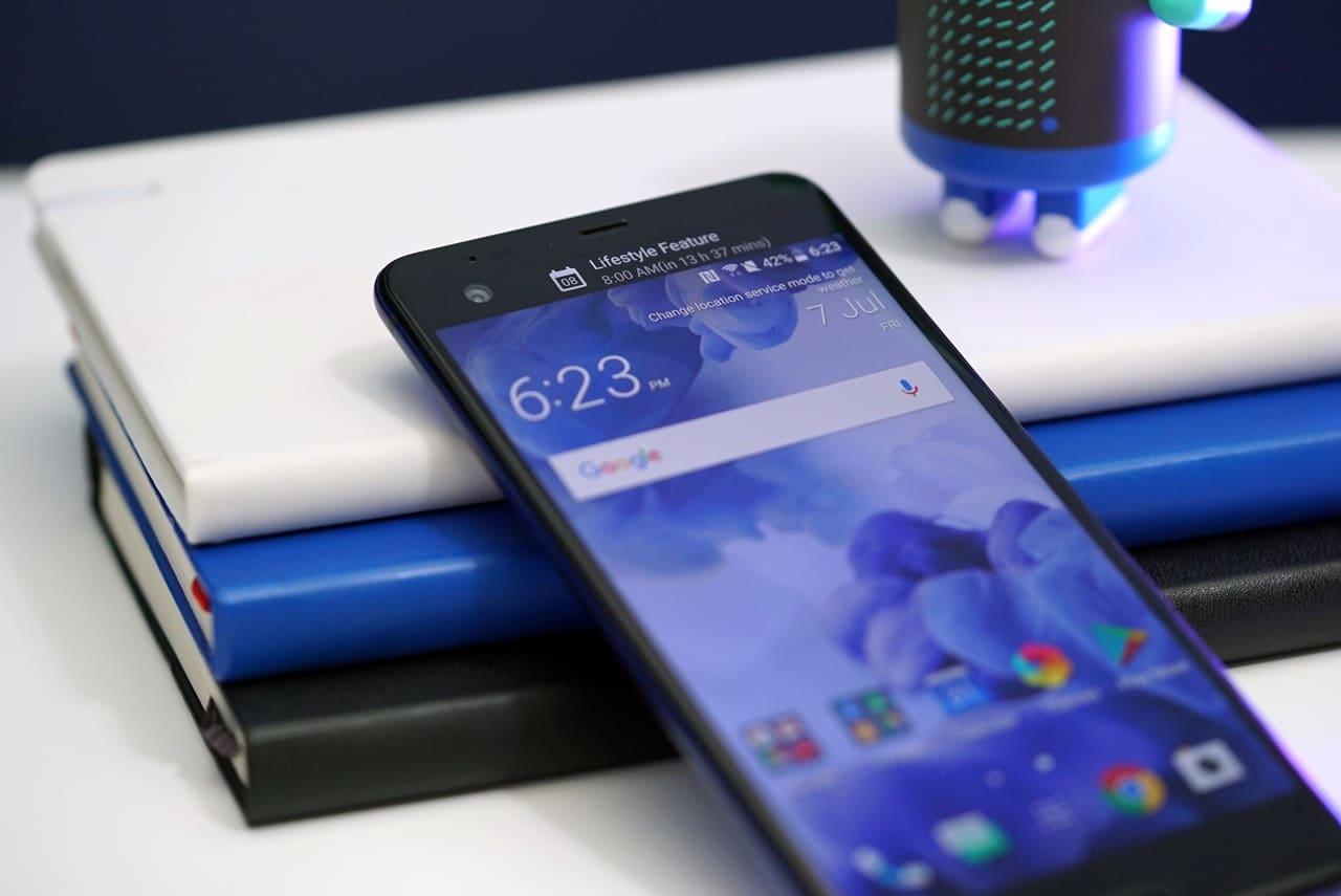 HTC-U-Ultra-Second-Screen