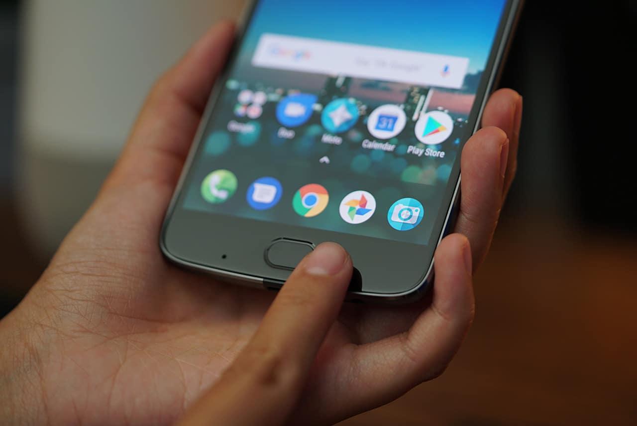 Moto Z2 Play Fingerprint Sensor
