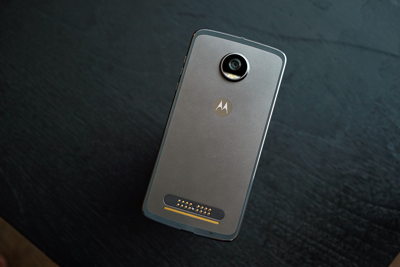 moto-z2-play-grey-back