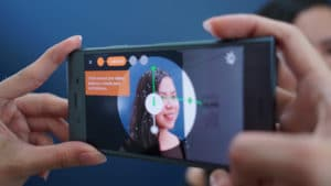 Sony Xperia XZ1 3D scanning a girl
