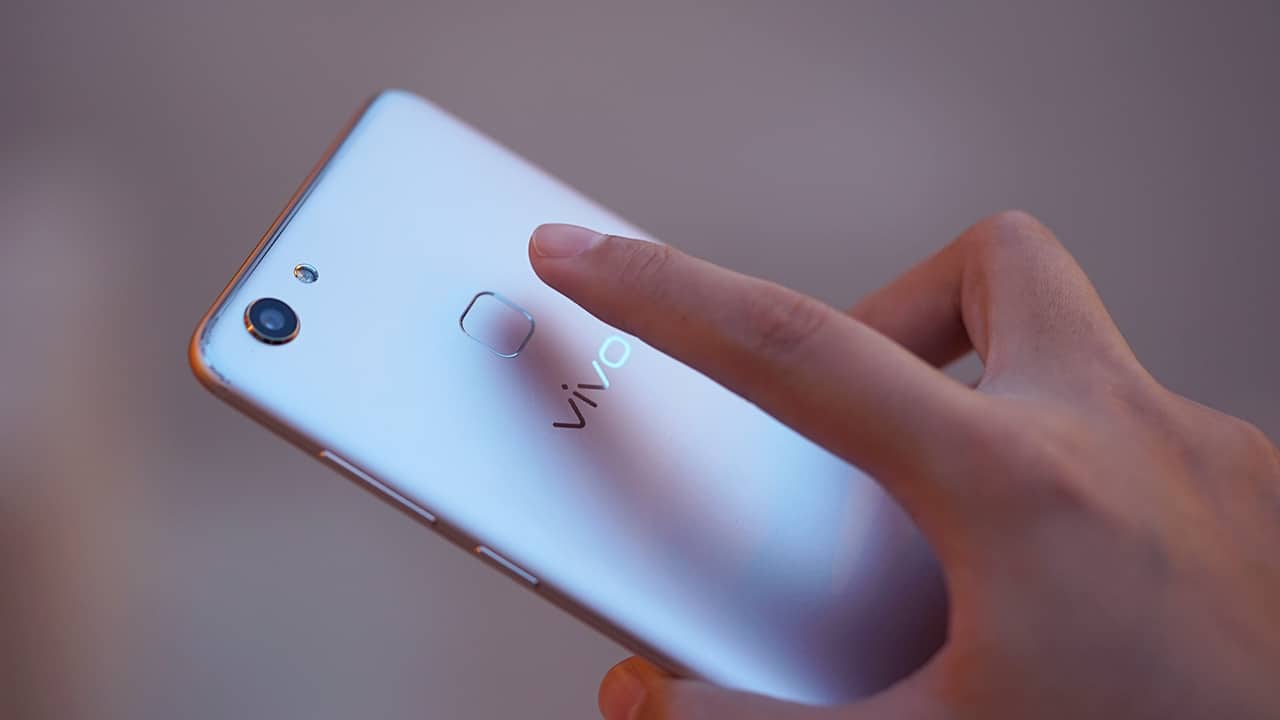 Vivo v7 launches in the philippines gadgetmatch marketed as a selfie smartphone the device is equipped with a 24 megapixel front facing camera with face beauty 70 software and a 16 megapixel rear stopboris Gallery