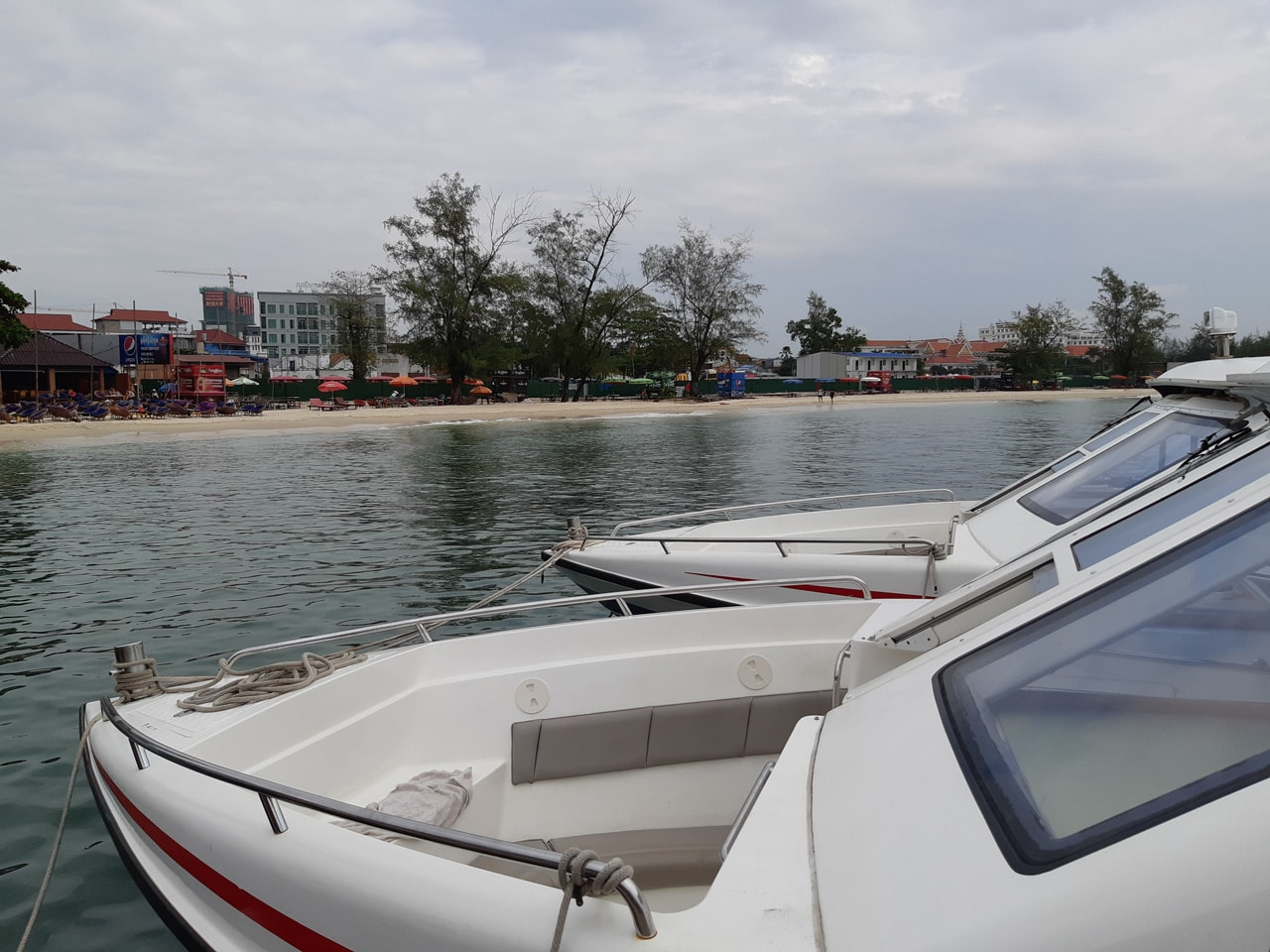24 hours in koh rong with the samsung galaxy a8 2018 gadgetmatch rh gadgetmatch com