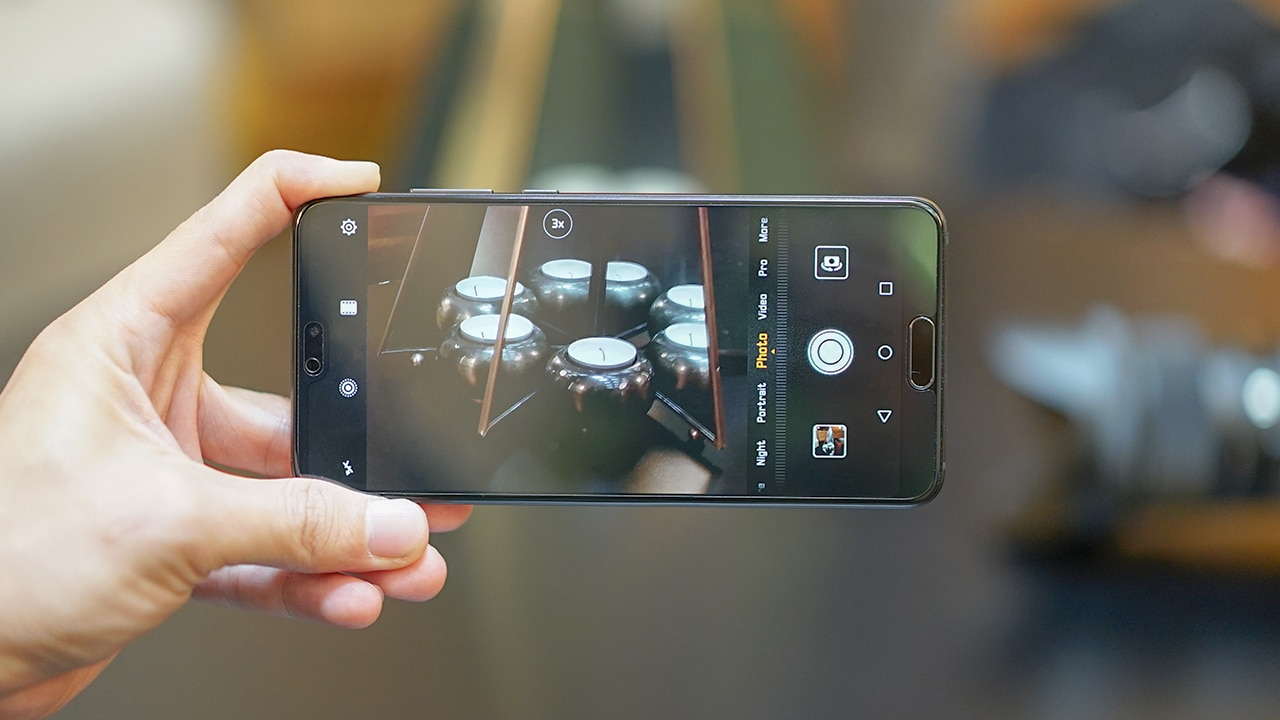 Huawei P20 And Pro Are All About Design Mobile Photography Color Sensor F Three Rear Cameras An 8 Megapixel 3x Telephoto With Ois A 40 Main 20 Monochrome 16 Opening