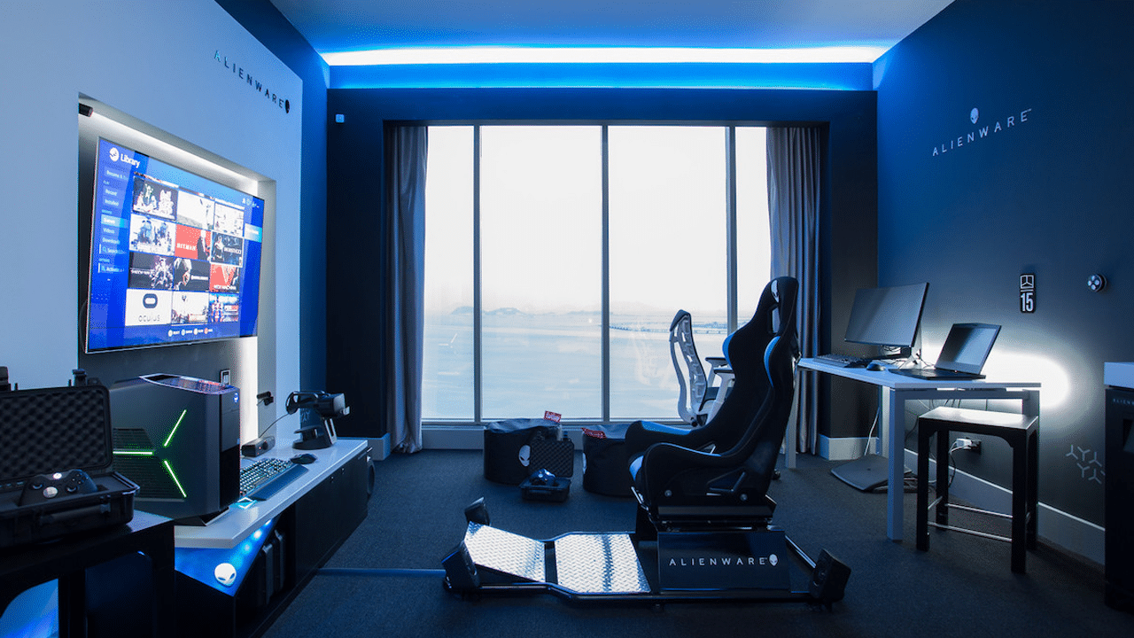 alienware hilton panama opens hotel room for hardcore gamers gadgetmatch. Black Bedroom Furniture Sets. Home Design Ideas