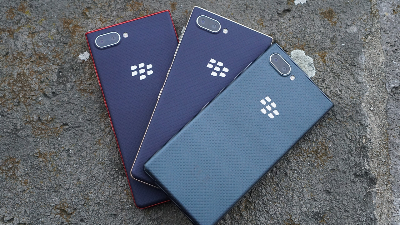 BlackBerry KEY2 LE is a toned-down, colorful version of KEY2