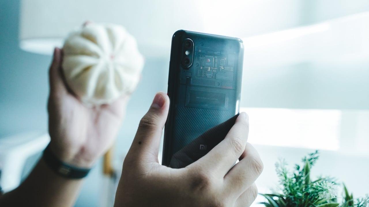 Xiaomi Mi 8 Pro: A pricey gimmick - GadgetMatch