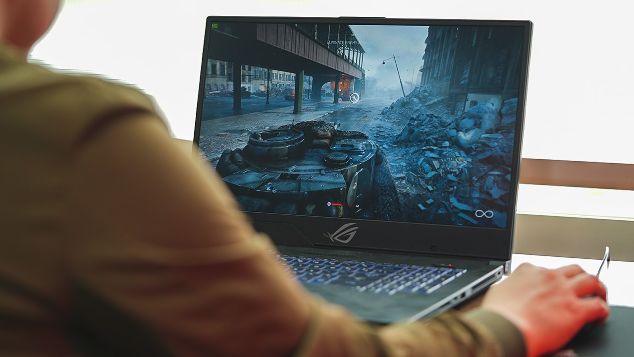 ASUS ROG Strix Scar II (GL704) Review: Feels smaller